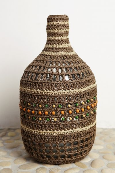 Vintage Flaschenvase mit Makramee in Ethno Stil als Deko