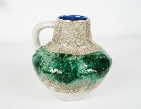 Mintgrüne Henkelvase im Boho Look für das gemütliche Wohnzimmer