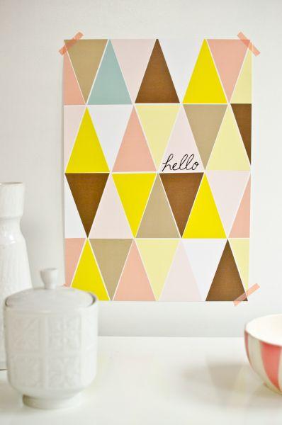 Poster in Pastellfarben mit geometrischen Dreiecken