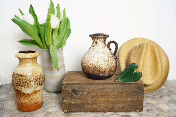 Braun gesprenkelte Bauchvase der Firma Scheurich Keramik.