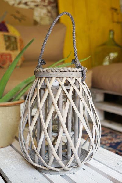 Holzlaterne mit Glaseinsatz als Windlicht im Garten und als Deko für das gemütliche Zuhause im Ethno Vintage Boho Look.