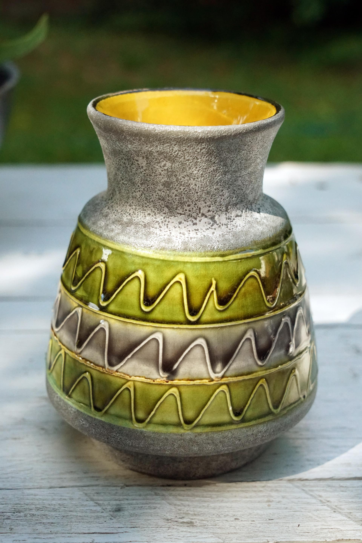 Bay Keramik Vase In Grün Und Gelb Mit Ethnomuster Vintagewonderland