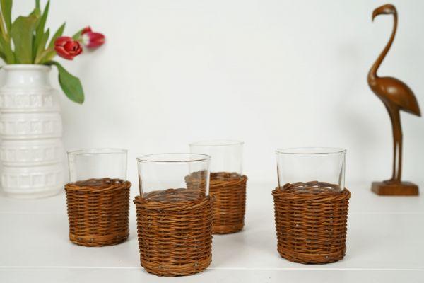 Vintage Gläser mit Körbchen für deinen schön gedeckten Tisch im Boho Retro Vintage Look