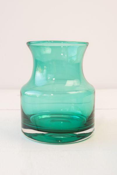 60er Jahre Vase aus Glas in Smaragdgrün und türkis als Deko für das Wohnzimmer im Boho vintage Look