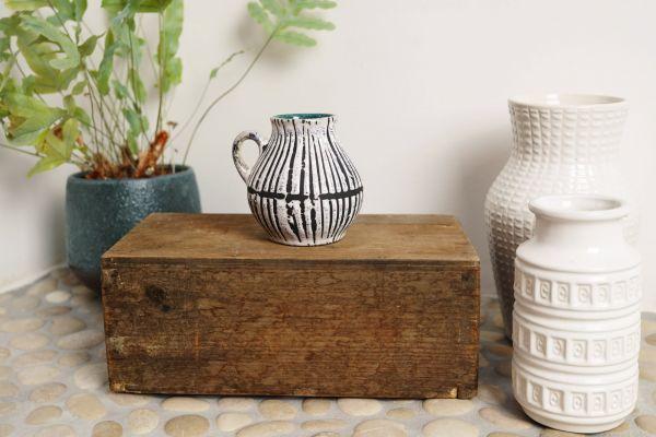 Vintage Vase mit Fat Lava Streifenmuster und petrol farbenem Inneren