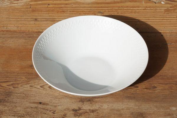 Weiße Servierschüssel von Edelstein für deinen schön gedeckten Tisch
