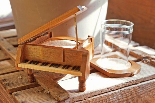 Glasuntersetzer Klavier als Deko für deinen schön gedeckten Tisch im Vintage Stil