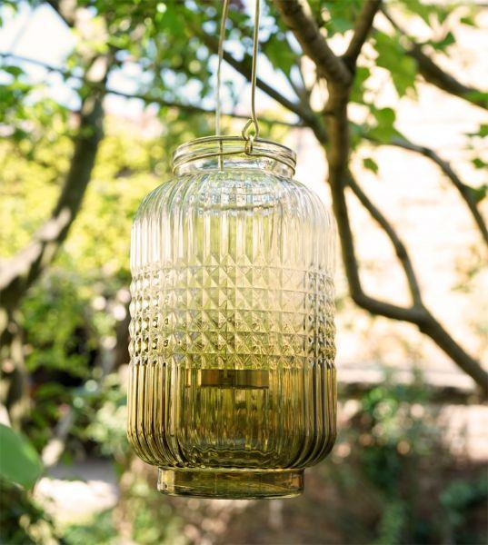 Ein wunderschönes Windlicht aus Glas mit Grünverlauf und Glasstruktur im Vintage, Boho Look für das gemütliche Wohnzimmer im Herbst und Winter