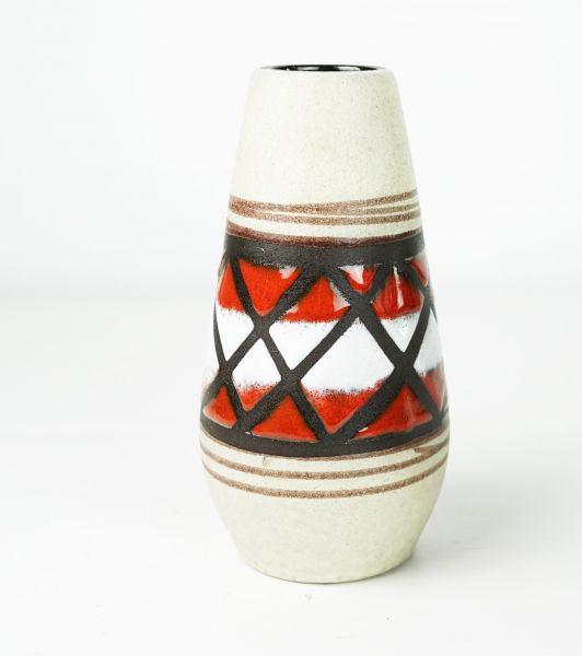 Wunderschöne Fat Lava Ethno Vase mit rot-weißem grafischen Muster aus den 60er Jahren.