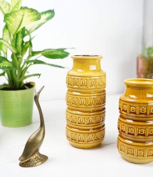 Dekorative 60er Jahre vintage Vase aus Keramik in Ockergelb